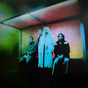 WOLF ALICE – BLUE WEEKEND (LP)